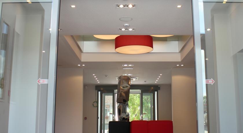 eclairage-hall-galerie-electricite-vanhoyesprl