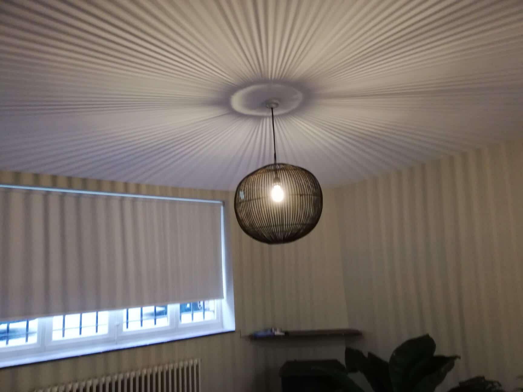 eclairage-int-black-chandlier-galerie-electricite-vanhoyesprl